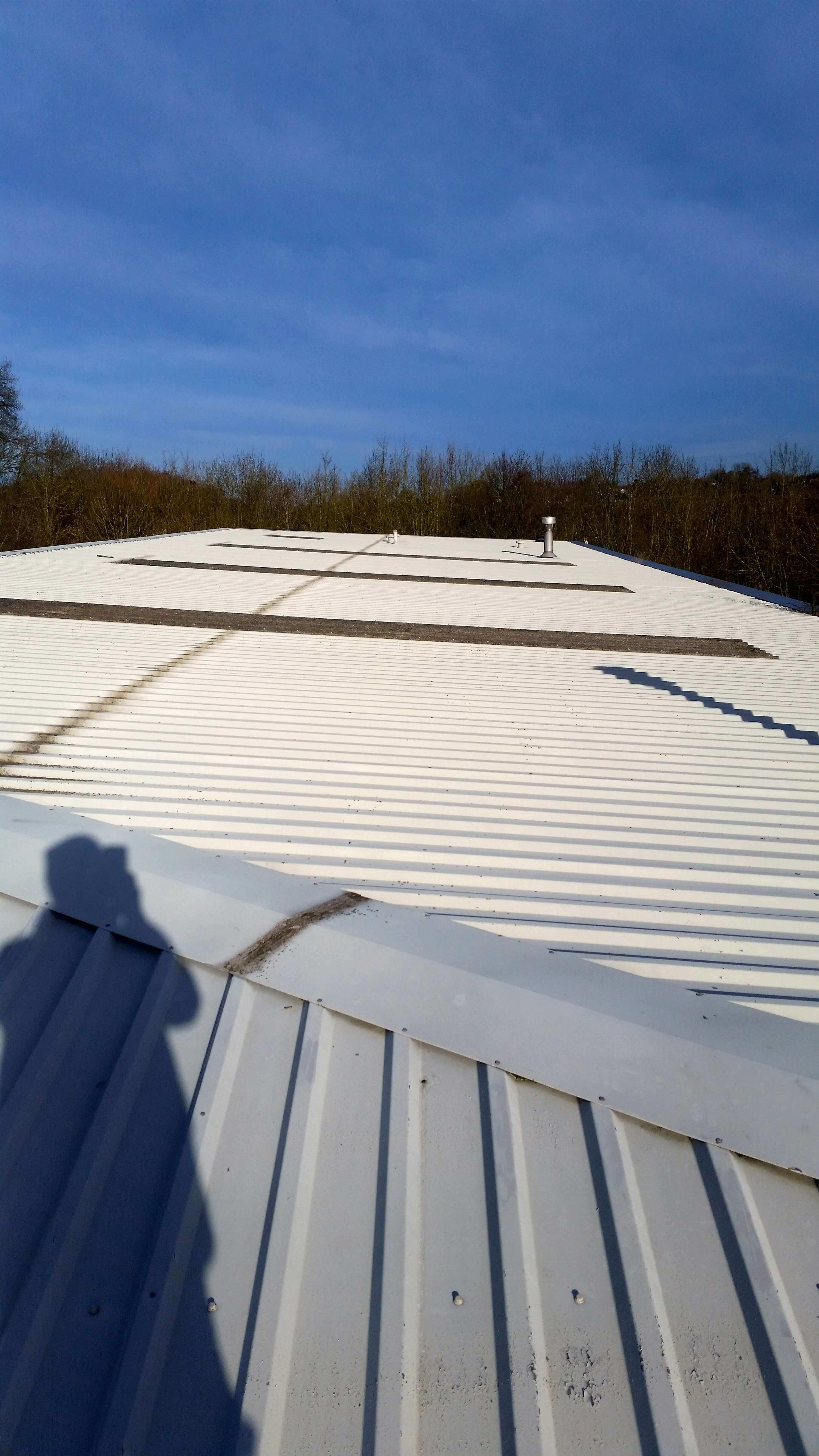 Woodside Ind Est Gutter Refurbishment Amp Rooflight Treatment